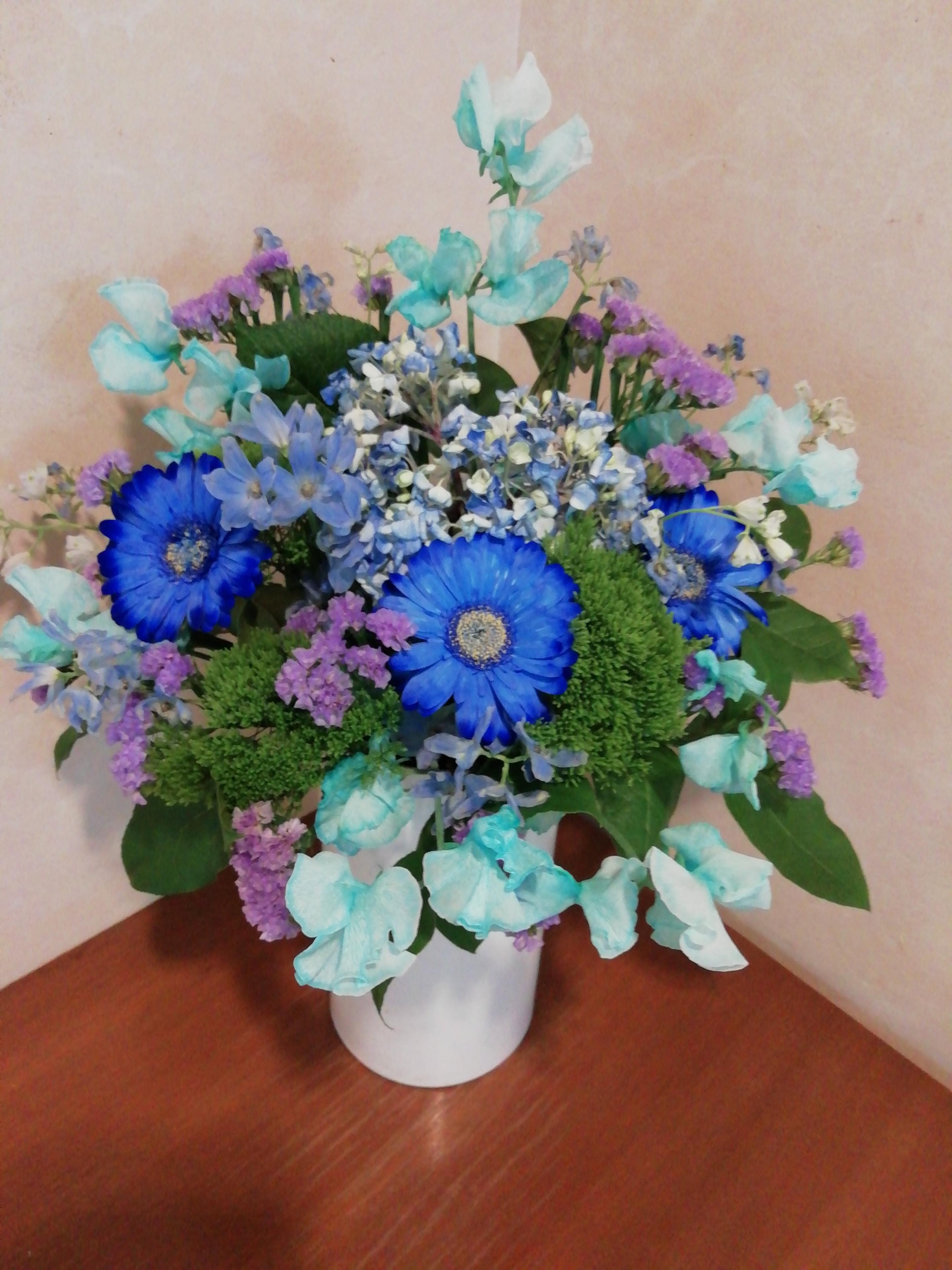 青いお花です。